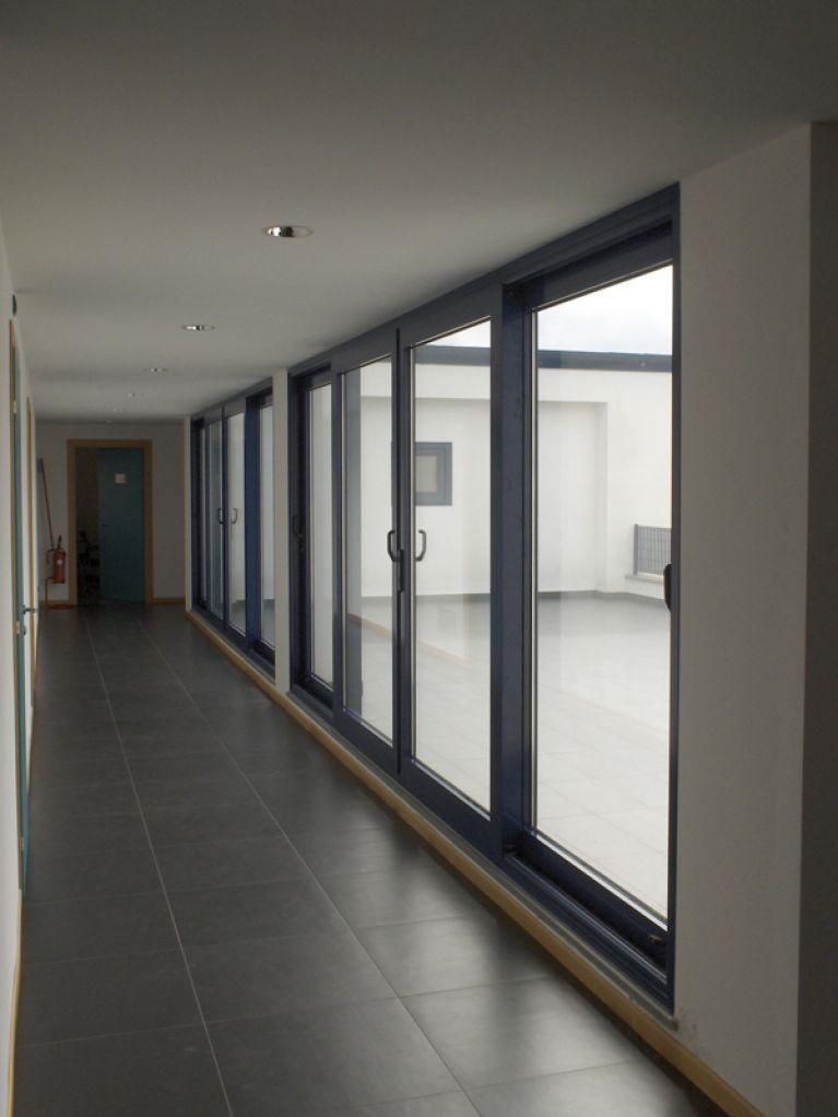 Infissi per grandi edifici con vetro