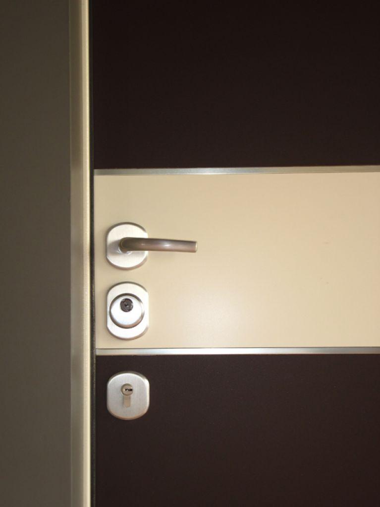 Porte per interni bianca e nera