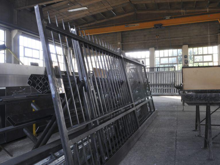 Produzione cancelli in acciaio da montare