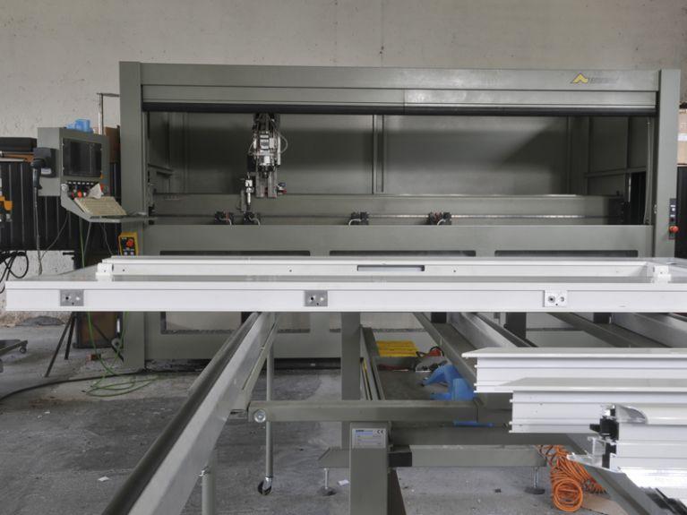 Produzione e installazione infissi in pvc aluminio