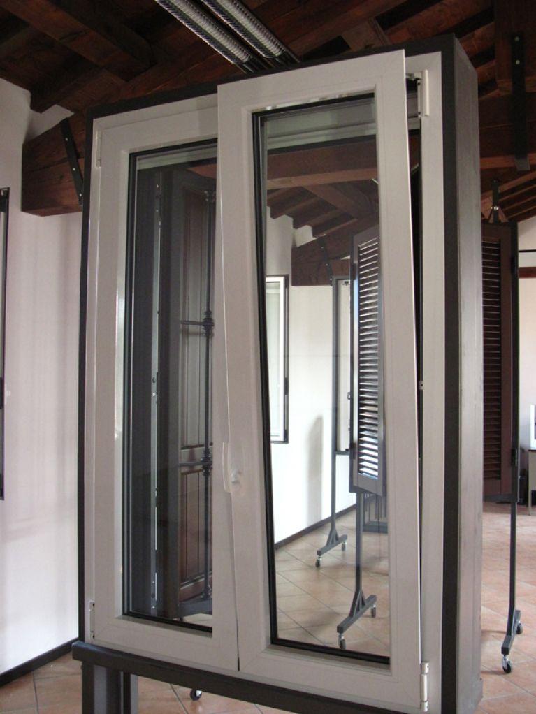 Vendita finestre in pvc bianca